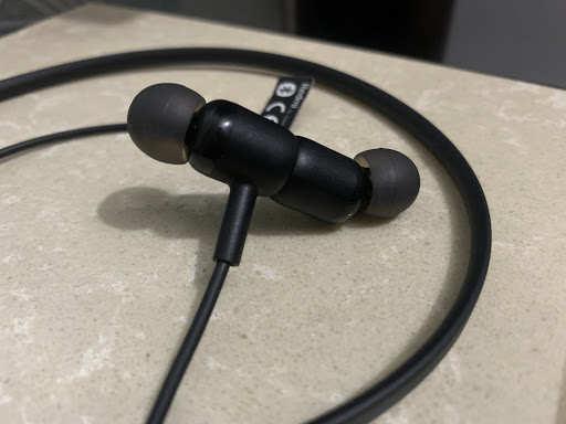 Auriculares redmi sonicbass: revisión de los auriculares Redmi SonicBass: fácil en su bolsillo